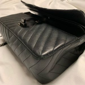 CHANEL Bags - CHANEL Reissue Classic Chevon handbag